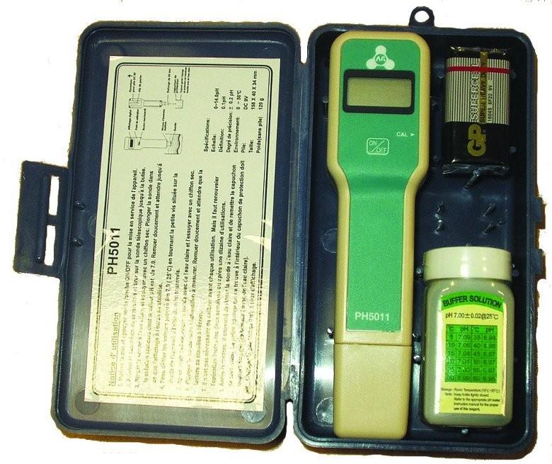 Analizador digital de sal monarch piscinas ferromar for Cantidad de sal para piscinas