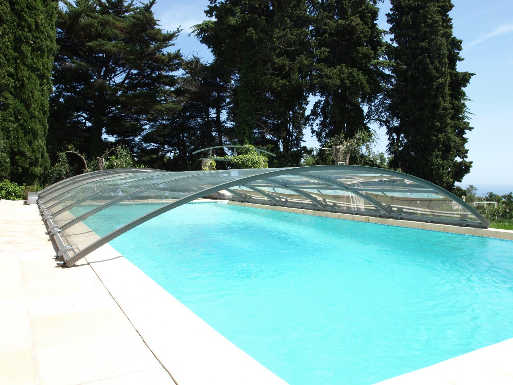 Cubierta de piscina motorizada abrisud piscinas ferromar for Piscinas ferromar