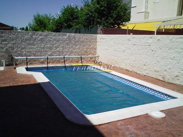Cobertor solar o manta t rmica con refuerzo piscinas for Cobertor solar piscina